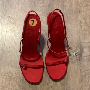 Unisa red heels size 7 NWT
